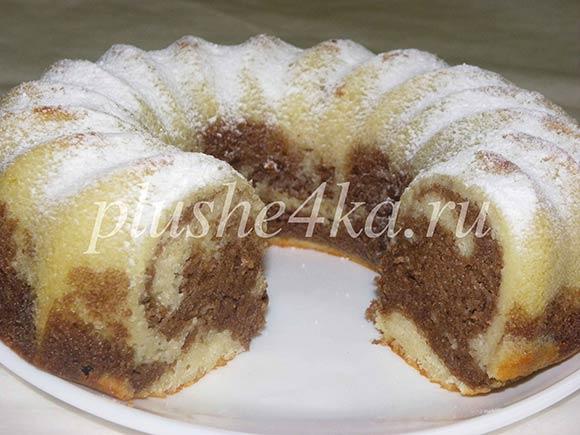Мраморный кекс на кефире, приготовленный в духовке
