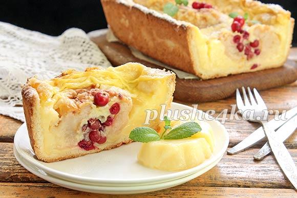 Яблочный пирог с ванильным пудингом