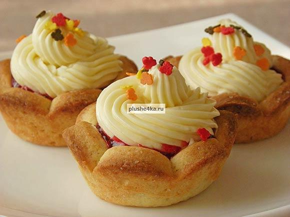 Песочное пирожное «Корзиночка» с масляным кремом