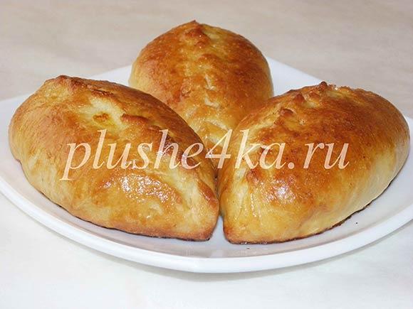 Пирожки из дрожжевого теста с картошкой в духовке