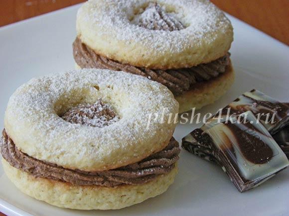 Песочное печенье с шоколадным кремом