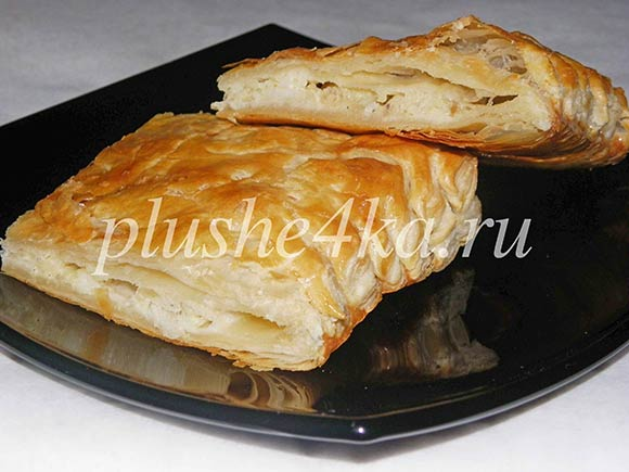 Слоеный пирог с рыбной начинкой