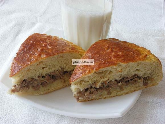 Дрожжевой пирог с мясом