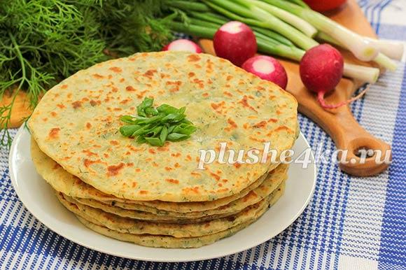 Картофельные лепешки с зеленью, жареные на сковороде
