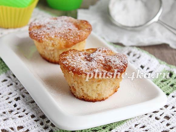 Кексы с яблоками в формочках