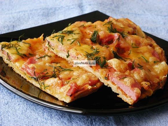 Пицца на жидком тесте, приготовленная в духовке