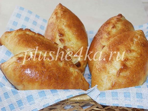 Печеные пирожки с картошкой в духовке
